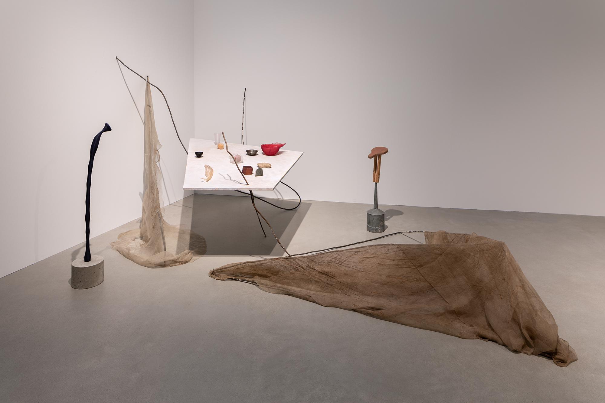 """Hu Xiaoyuan, Installationsansicht der Ausstellung """"Umbruch"""" © Courtesy of the artist and Beijing Commune Kunsthalle Mannheim/Foto: Rainer Diehl"""