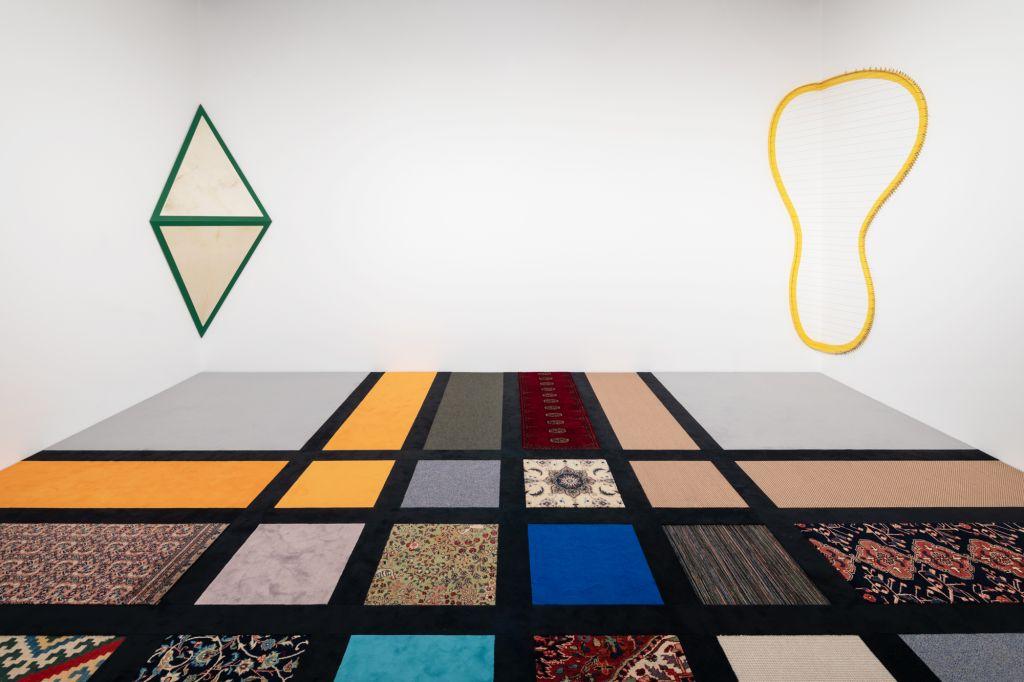 """Nevin Aladağ, """"Resonanz Raum"""", 2020, Ansicht der Ausstellung """"Umbruch"""", Foto: Kunsthalle Mannheim/ Rainer Diehl, © Courtesy of the artist / Kunsthalle Mannheim/Foto: Rainer Diehl, © VG Bild-Kunst, Bonn 2020"""