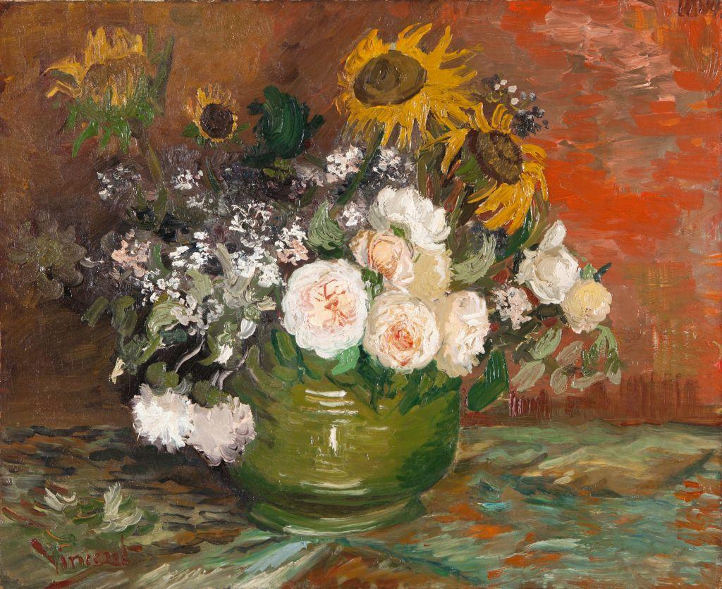 """Vincent van Goghs """"Rosen und Sonnenblumen"""" ist eines der Werke, die Dr. Dorothee Höfert, Leiterin der Kunstvermittlung, in ihrer Führung durch den Meisterwerke Kubus der Kunsthalle Mannheim bespricht. (Bild: Vincent van Gogh, Rosen und Sonnenblumen, 1886)"""
