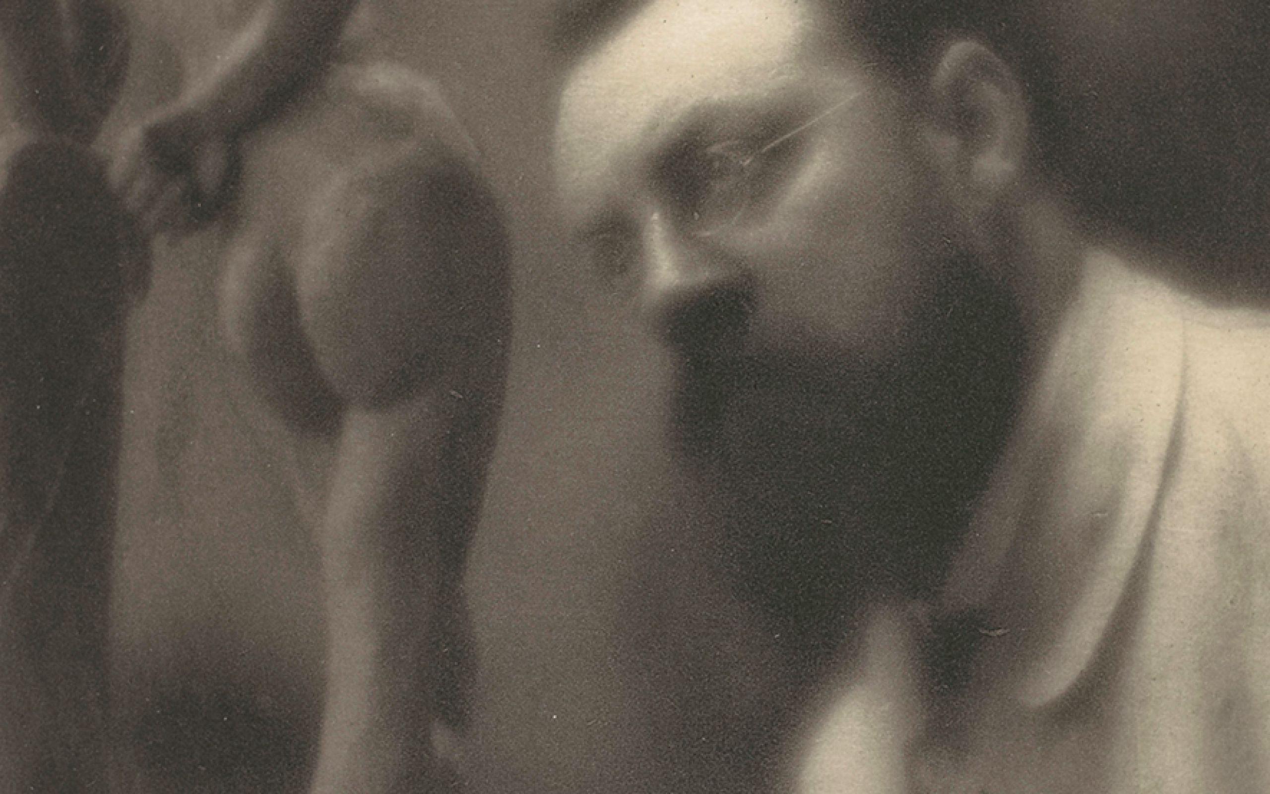 "Edward Steichen, Henri Matisse, an ""La Serpentine"" arbeitend, 1913 Fotogravüre, 22 x 17,4 cm Paris, Musée d'Orsay Inv.-Nr.: PHO1981-32-15 bpk / RMN - Grand Palais / Edward Steichen Henri Matisse © Succession H. Matisse/ VG Bild-Kunst, Bonn 2018"